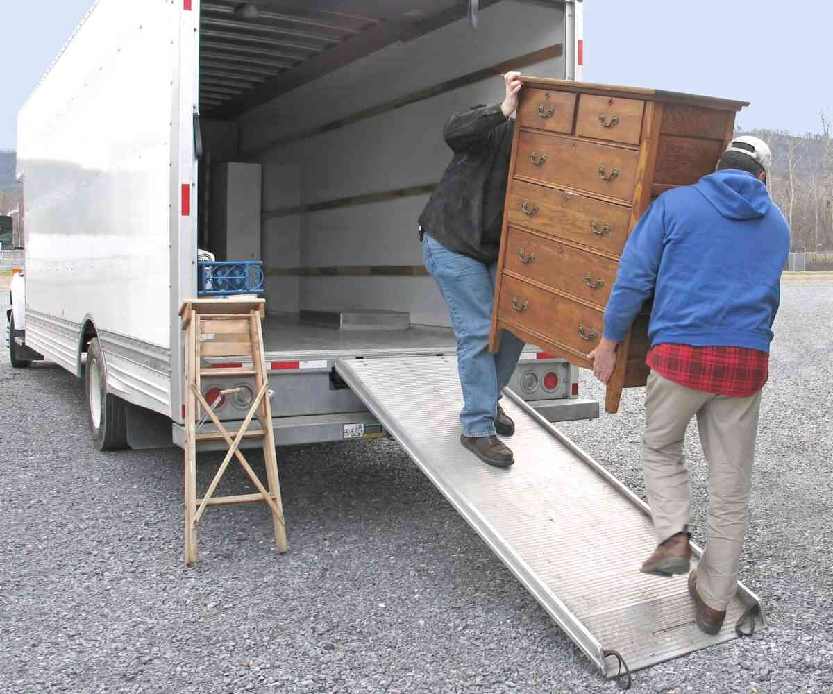 moving truck rental tips