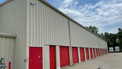National Storage Centers - Livonia West drive-up units.